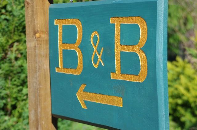 B&B sign